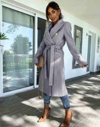 Дълго елегантно дамско палто с колан в сиво - код 6429