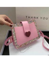 Дамска чанта в розово със закопчалка сърце - код B117