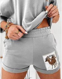 Къс дамски сет блуза и къси панталонки в сиво - код 1407