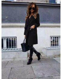 Елегантно дамско палто с колан в черно - код 7940