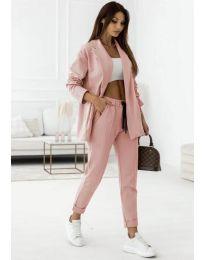 Спортно-елегантен дамски комплект сако и панталон в розово - код 1661